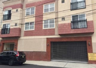 Short Sale in West New York 07093 62ND ST - Property ID: 6334918680