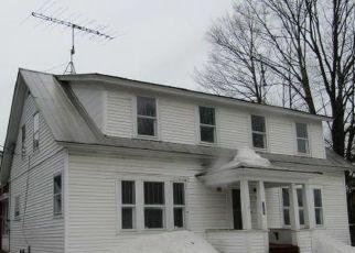 Short Sale in Farmington 04938 MAPLE AVE - Property ID: 6335121906