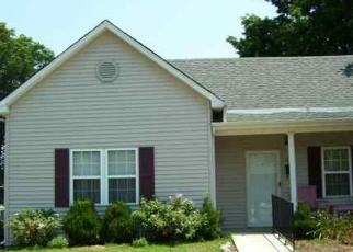 Short Sale in Vine Grove 40175 HIGH ST - Property ID: 6335146866