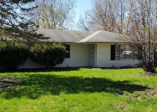 Short Sale in Romeoville 60446 JACQUIE AVE - Property ID: 6335156947
