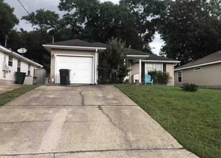 Short Sale in Milton 32570 OVERBROOK DR - Property ID: 6335183202