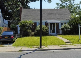 Short Sale in Elmont 11003 HATHAWAY AVE - Property ID: 6335400897