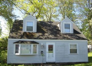 Short Sale in New Britain 06053 HELEN DR - Property ID: 6335543671