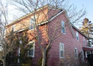 Short Sale in Rockland 04841 SIMMONS ST - Property ID: 6335545862