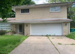 Short Sale in Merrillville 46410 W 55TH LN - Property ID: 6335606285