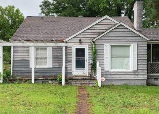 Short Sale in Fayetteville 28303 GLENVILLE AVE - Property ID: 6335745571