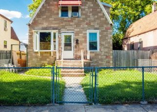 Short Sale in Chicago 60630 W CARMEN AVE - Property ID: 6335980769