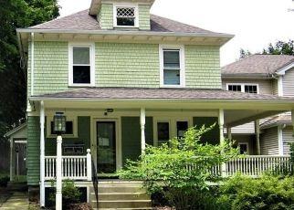 Short Sale in Worcester 01602 ROBERTSON RD - Property ID: 6335982517