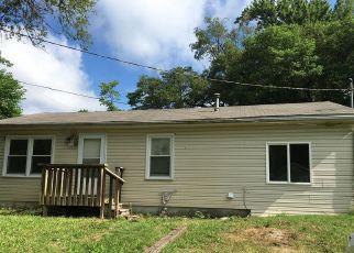 Short Sale in Belleville 62223 ARDMORE DR - Property ID: 6336063539