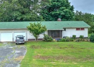 Short Sale in Blountville 37617 LYNN RD - Property ID: 6336228664