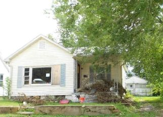 Short Sale in Crystal City 63019 BROADWAY AVE - Property ID: 6336365301