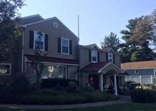 Short Sale in Southampton 18966 HILLTOP DR - Property ID: 6336391582