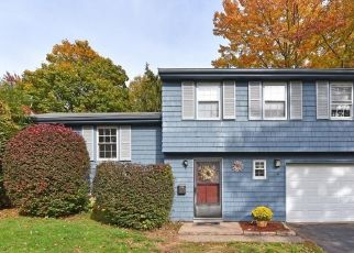 Short Sale in Middletown 06457 BLUE SPRUCE ST - Property ID: 6336446776