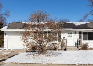 Short Sale in Cedar Rapids 52405 FORD AVE NW - Property ID: 6336453334