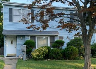 Short Sale in Valley Stream 11580 RYE CT - Property ID: 6336612768