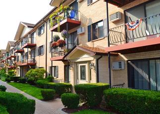 Short Sale in Chicago 60656 N EAST RIVER RD - Property ID: 6336829106
