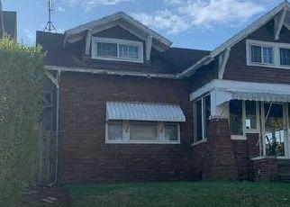 Short Sale in Fort Wayne 46803 E SUTTENFIELD ST - Property ID: 6336949115