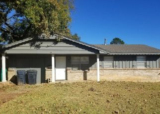 Short Sale in Oklahoma City 73127 TIMBER LN - Property ID: 6337010885