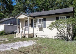 Short Sale in Jacksonville 32254 RHONDA RD - Property ID: 6337071311