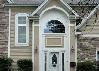 Short Sale in Hoffman Estates 60169 W THACKER ST - Property ID: 6337234686