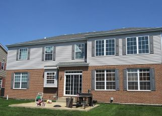 Short Sale in Bolingbrook 60490 GREAT PLAINS WAY - Property ID: 6337275861
