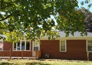 Short Sale in Joliet 60433 WHITE AVE - Property ID: 6337412948