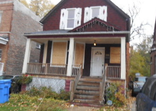 Short Sale in Chicago 60649 S SAGINAW AVE - Property ID: 6337565799