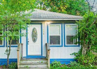 Short Sale in Wonder Lake 60097 S OAK RD - Property ID: 6337656451