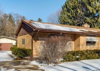 Short Sale in Mchenry 60050 KAMA AVE - Property ID: 6337657325