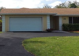 Short Sale in Miami 33157 SW 85TH AVE - Property ID: 6338144797