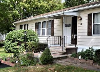 Short Sale in Terryville 06786 N LAKESIDE DR - Property ID: 6338297650