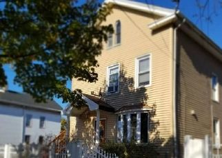 Short Sale in New Haven 06513 WOOLSEY ST - Property ID: 6338307275