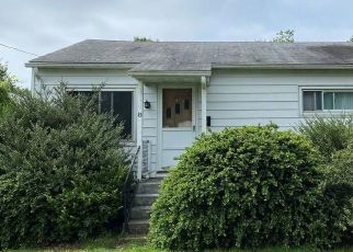 Short Sale in Groton 06340 RALEIGH CT - Property ID: 6338312540