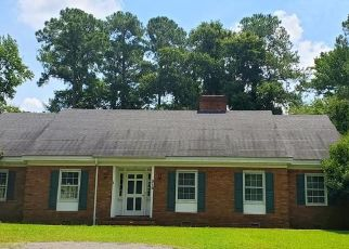 Short Sale in Goldsboro 27534 S HILLCREST DR - Property ID: 6338537208