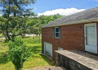 Short Sale in Blowing Rock 28605 RANSOM ST - Property ID: 6338720283