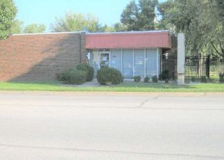Short Sale in Wichita 67214 E CENTRAL AVE - Property ID: 6339056209