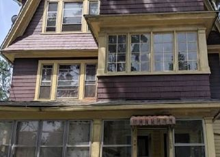 Short Sale in Hartford 06106 HILLSIDE AVE - Property ID: 6339214772
