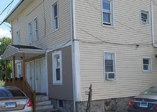 Short Sale in Bridgeport 06607 SUGGETTS LN - Property ID: 6339251552