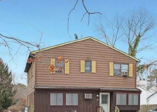 Short Sale in Middle Island 11953 WILSON AVE - Property ID: 6339360163